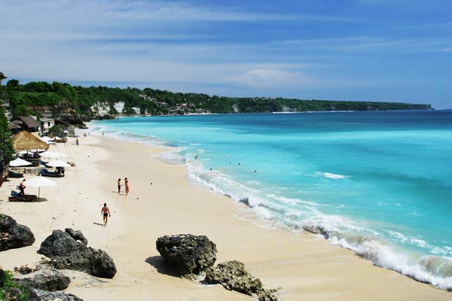 Пляж города Кута остров Бали