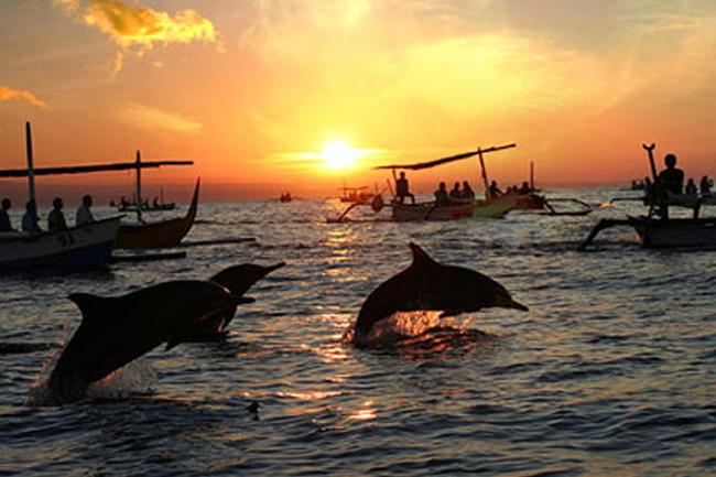 Пляж Ловина остров Бали
