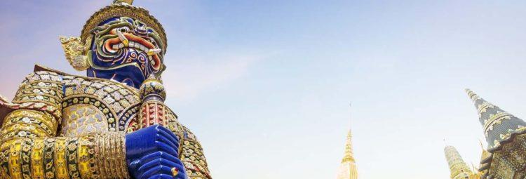 Hram Izumrudnogo Buddy v Bangkoke